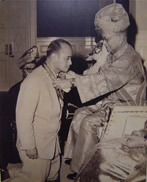 1959年接受马来亚联合邦最高元首封赐J.M.N。